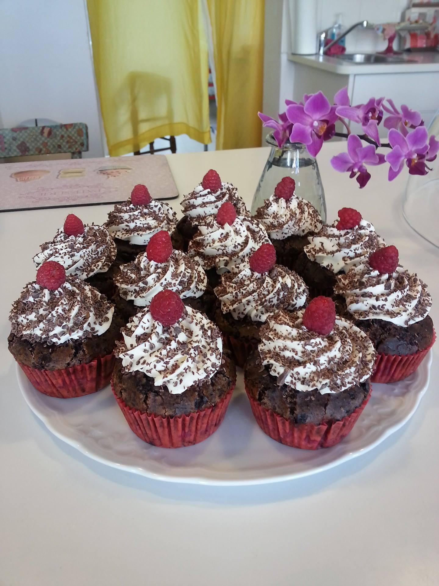 Zartbitter Schokolade Himbeere Cupcake